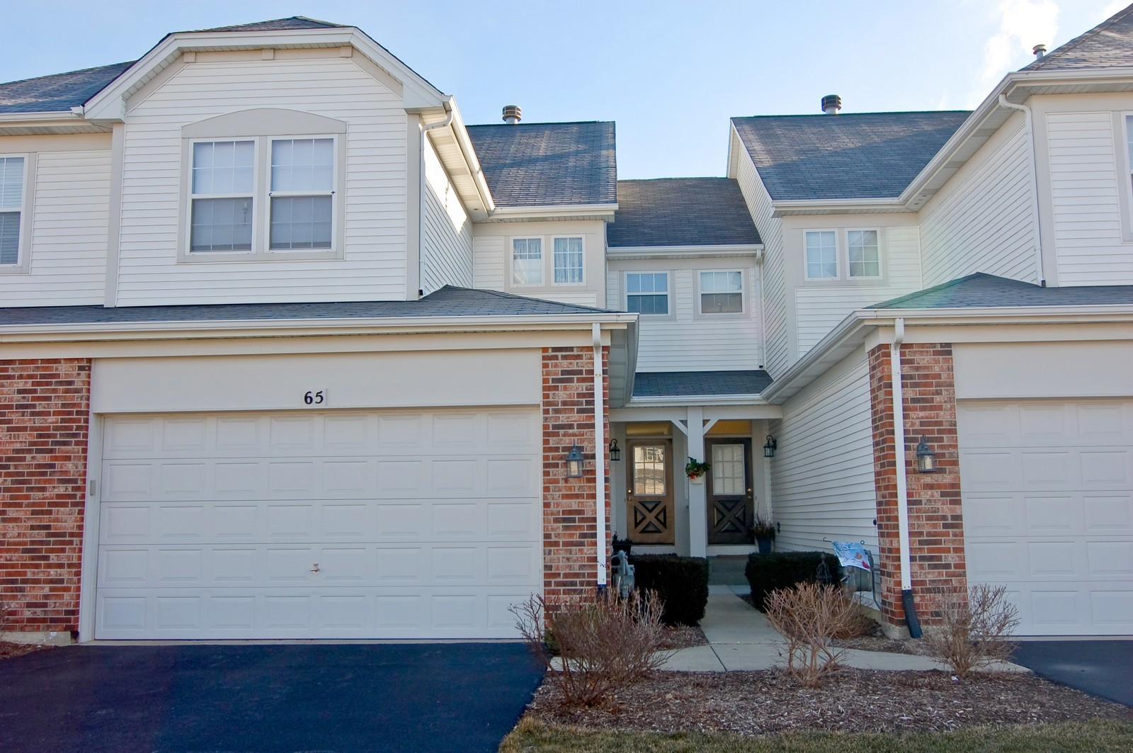 Real Estate Photography - 65 Woodview Dr, Glen Ellyn, IL, 60137 - Front View