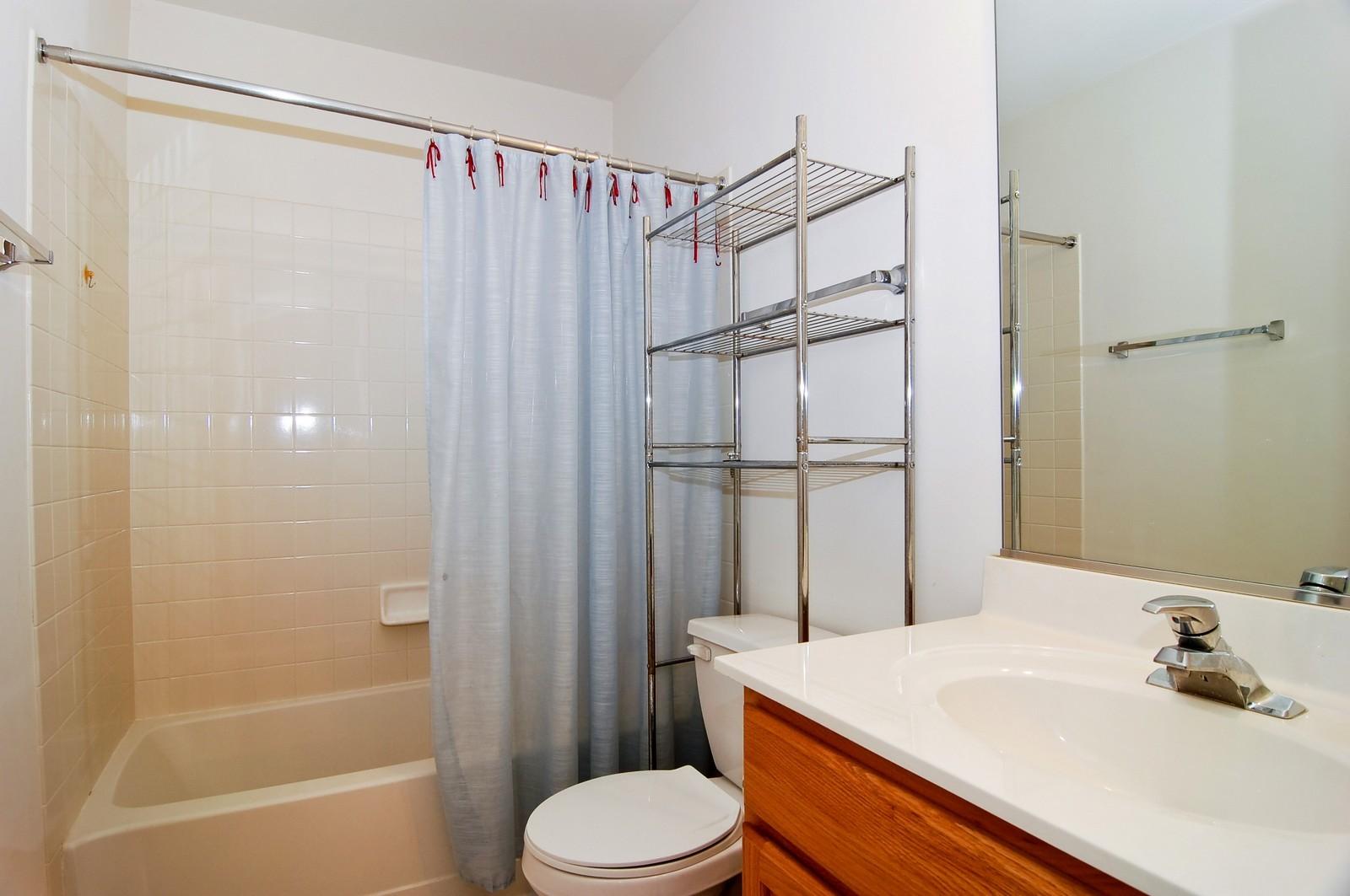 Real Estate Photography - 65 Woodview Dr, Glen Ellyn, IL, 60137 - Bathroom