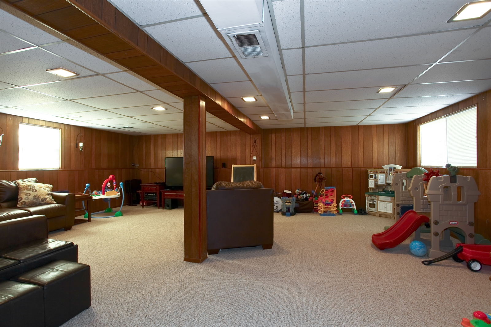 Real Estate Photography - 7639 Willow Ave, Woodridge, IL, 60517 - Basement