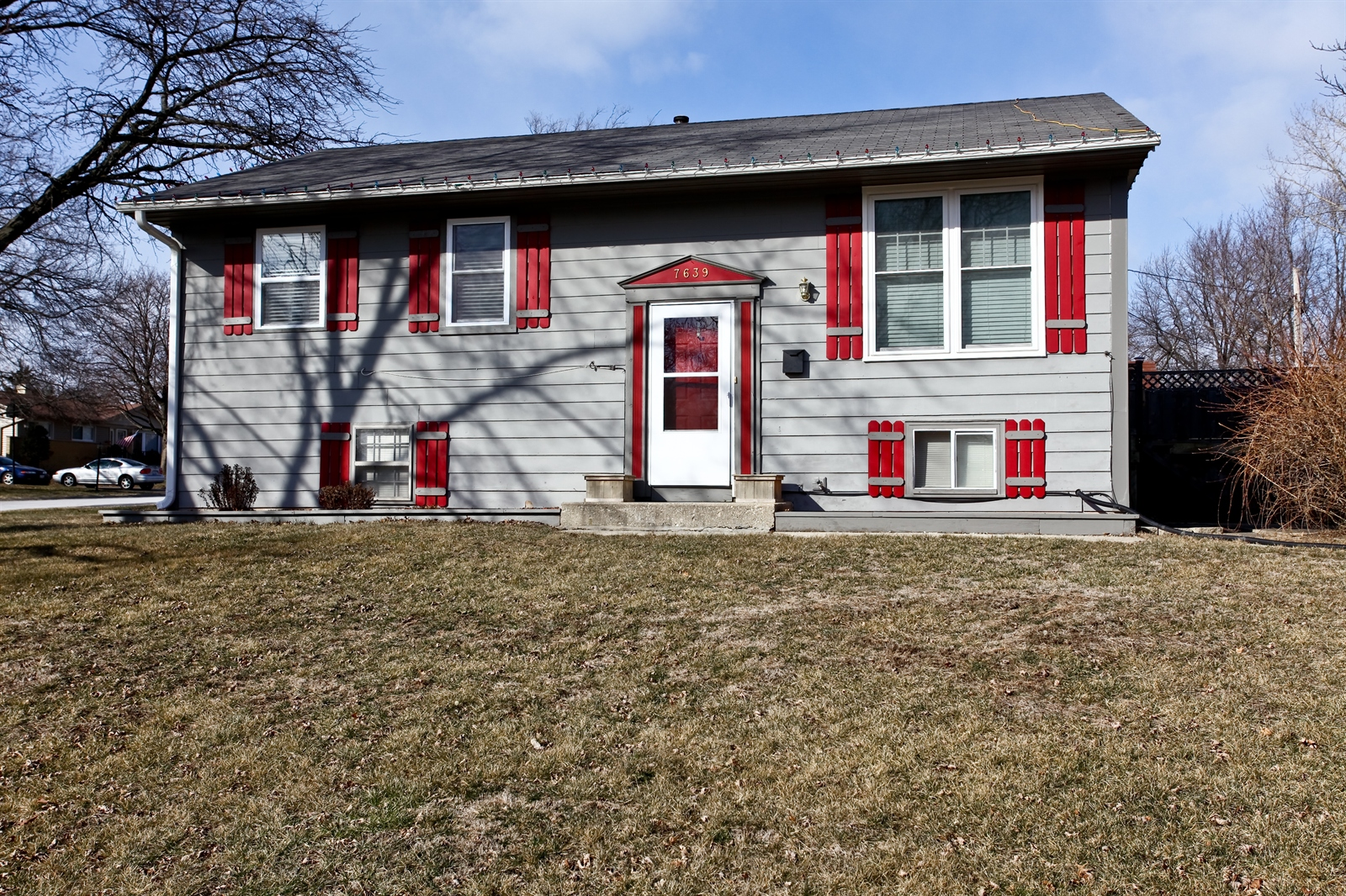 Real Estate Photography - 7639 Willow Ave, Woodridge, IL, 60517 - Front View