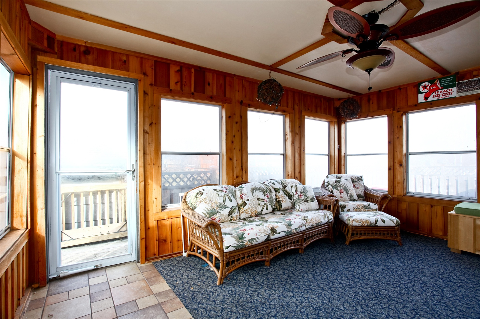Real Estate Photography - 7639 Willow Ave, Woodridge, IL, 60517 - Sunroom