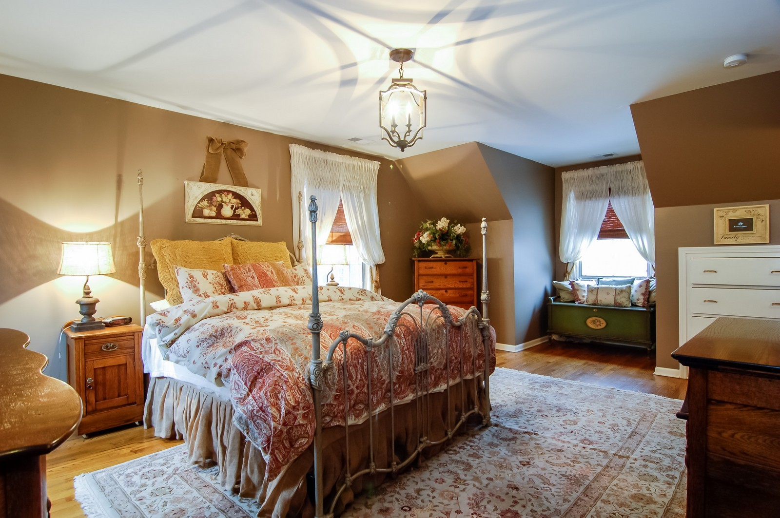 Real Estate Photography - 360 Bloomingdale Rd, Itasca, IL, 60143 - Master Bedroom