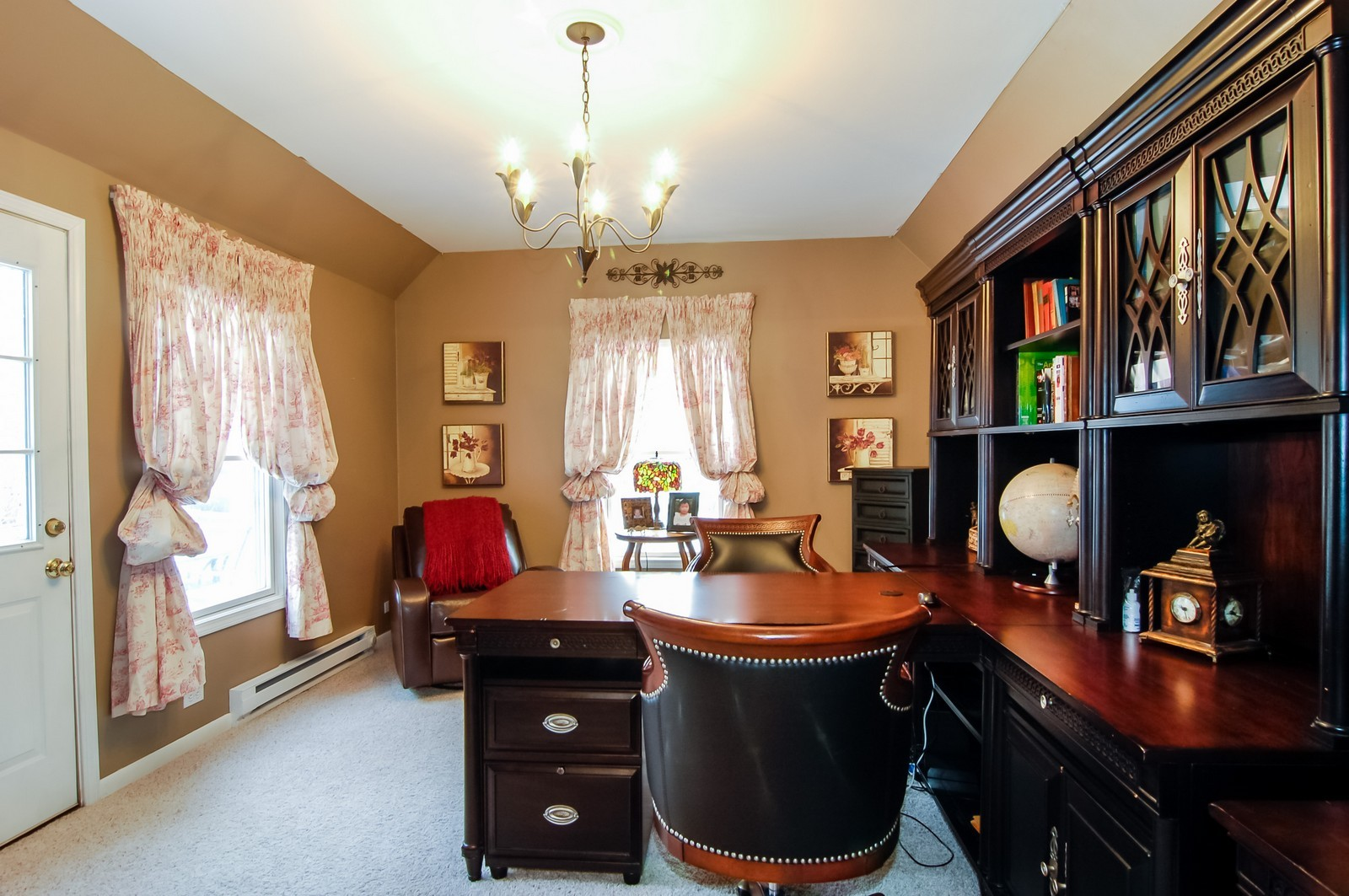 Real Estate Photography - 360 Bloomingdale Rd, Itasca, IL, 60143 - Office