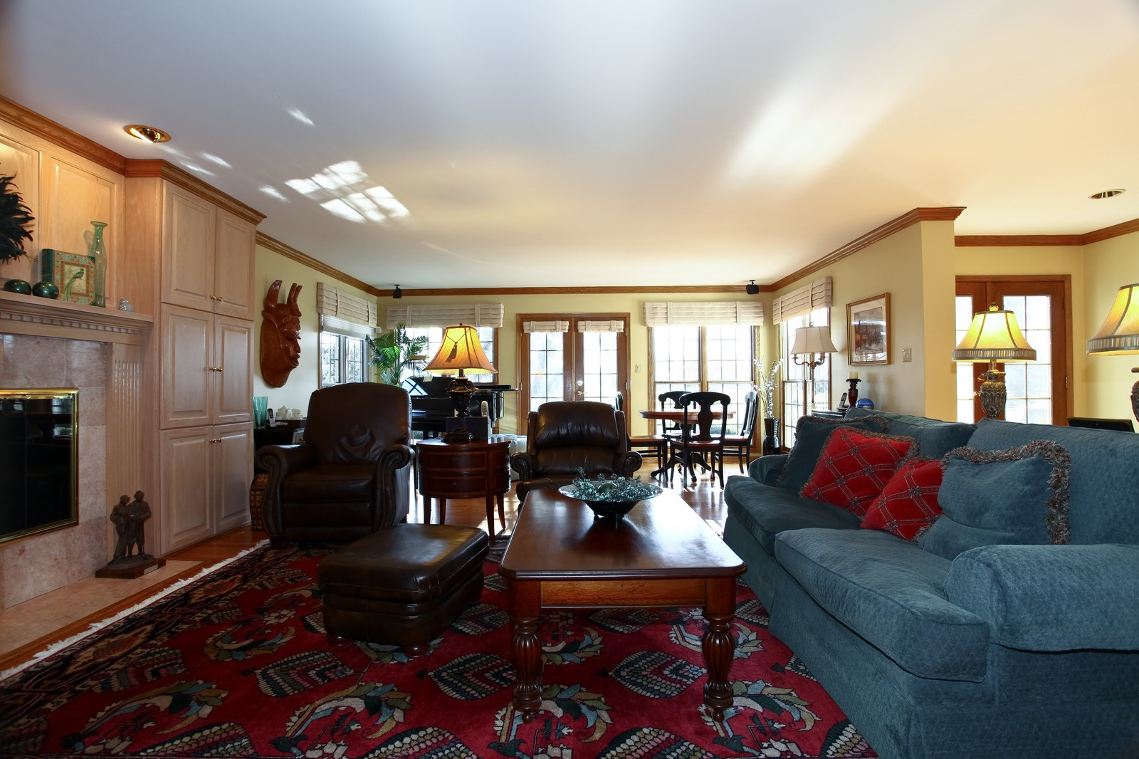Real Estate Photography - 1032 Royal Bombay Court, Naperville, IL, 60563 - Living Room