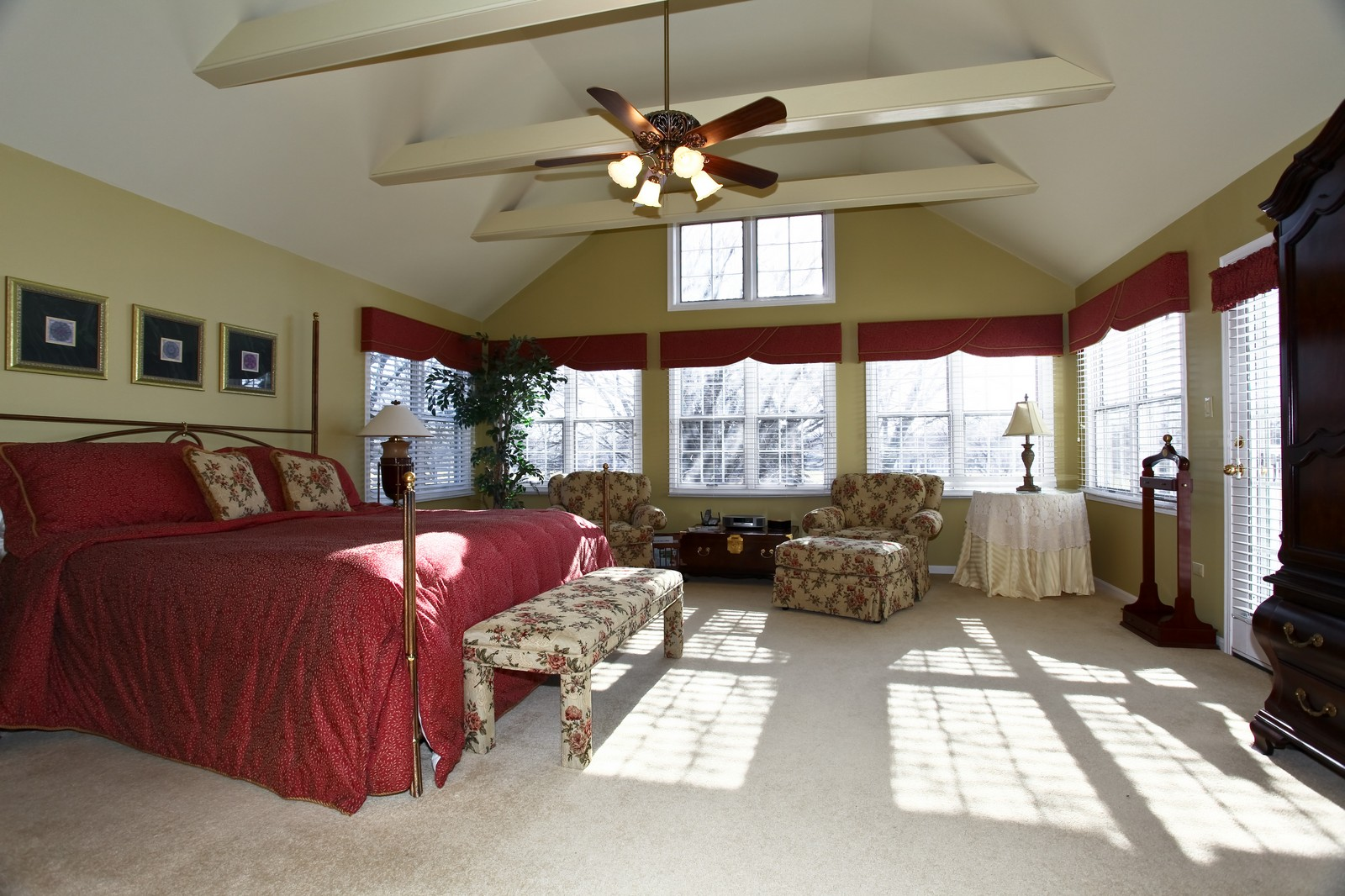 Real Estate Photography - 1032 Royal Bombay Court, Naperville, IL, 60563 - Master Bedroom