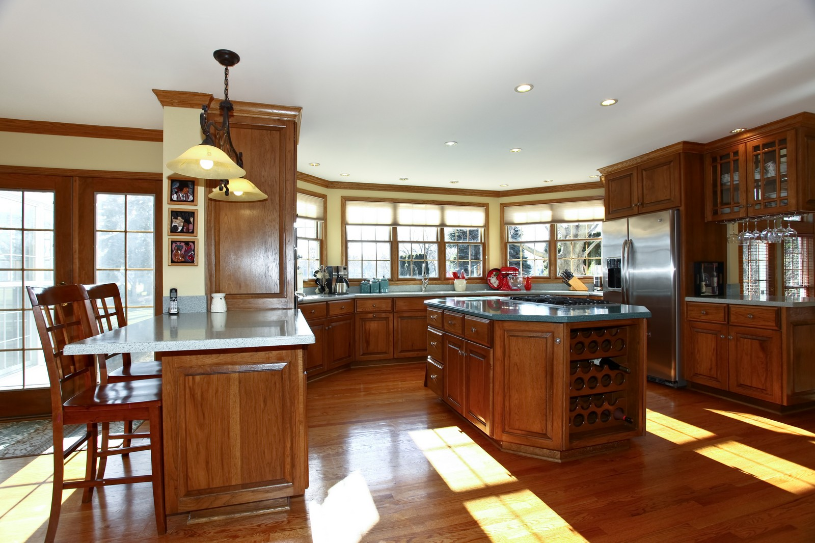 Real Estate Photography - 1032 Royal Bombay Court, Naperville, IL, 60563 - Kitchen