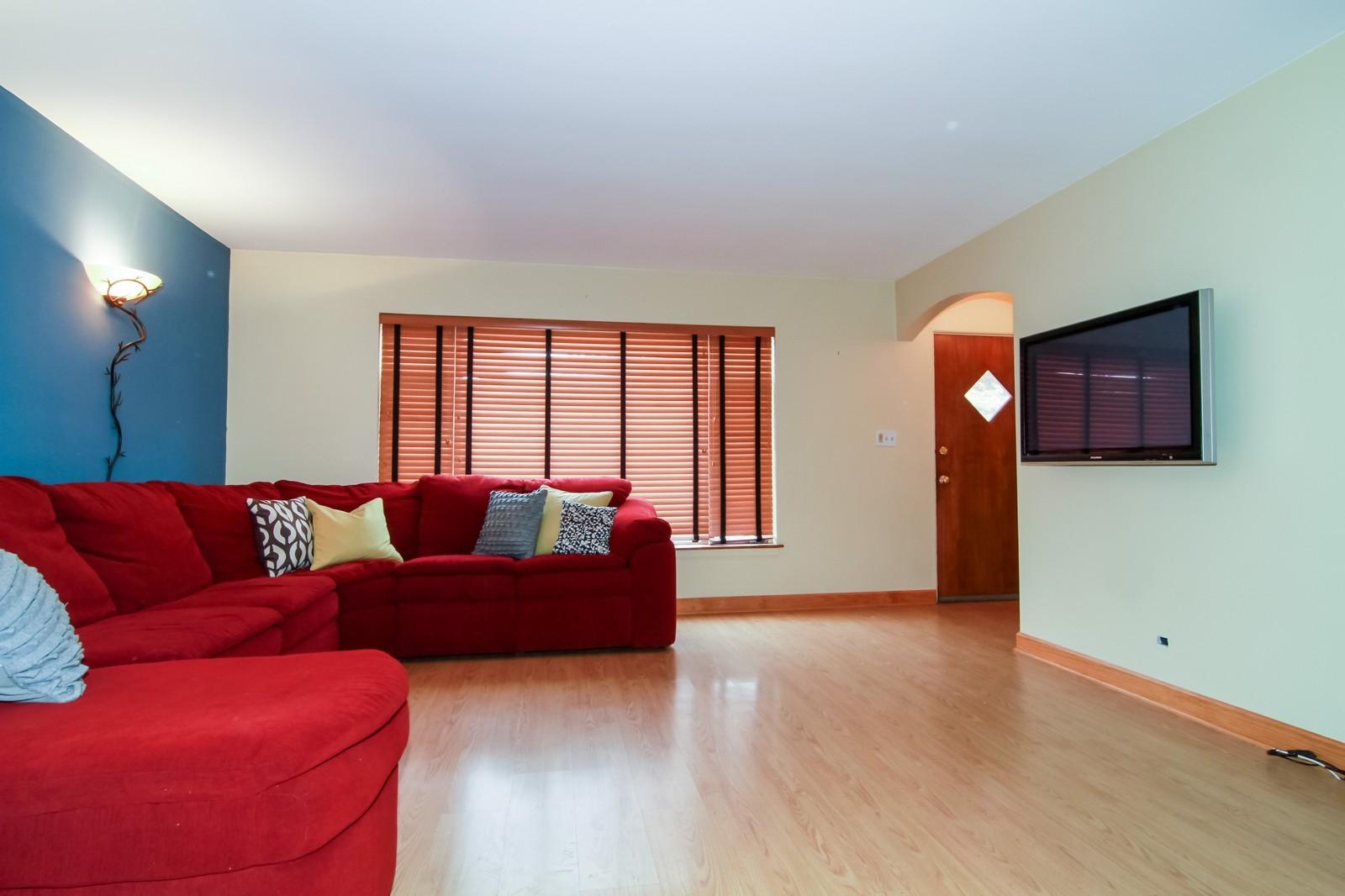 Real Estate Photography - 221 E Burlington Street, Riverside, IL, 60546 - Living Room