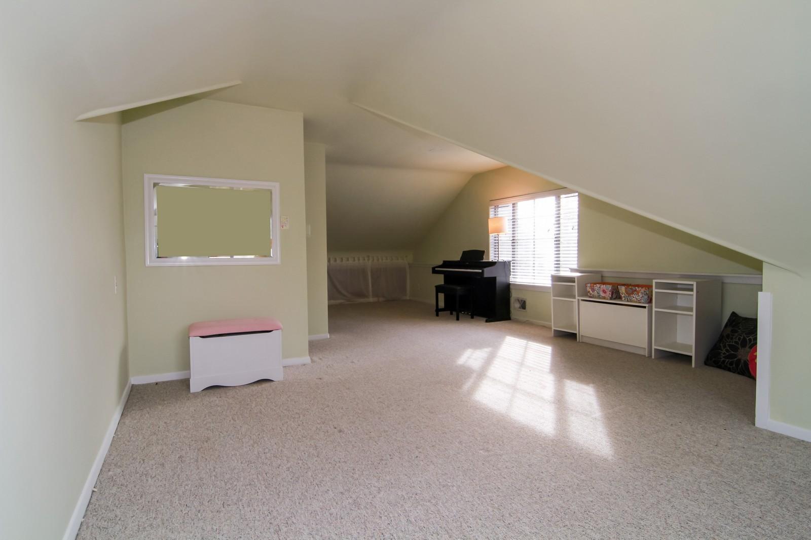 Real Estate Photography - 221 E Burlington Street, Riverside, IL, 60546 - Master Bedroom