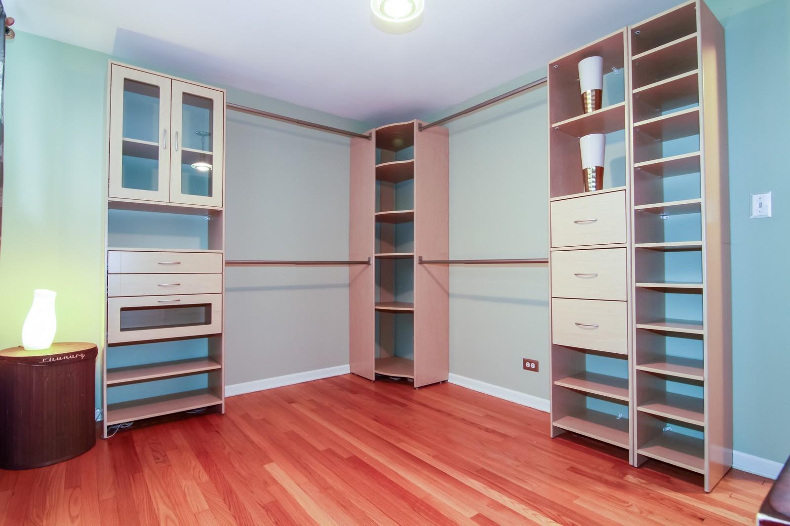 Real Estate Photography - 221 E Burlington Street, Riverside, IL, 60546 - 2nd Bedroom