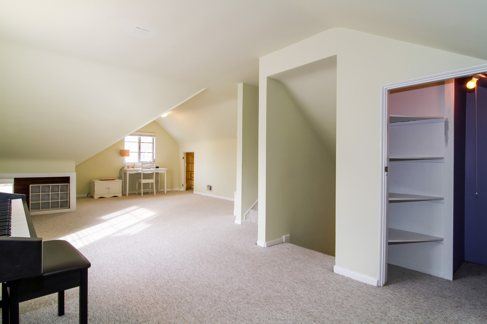 Real Estate Photography - 221 E Burlington Street, Riverside, IL, 60546 - Master Bedroom