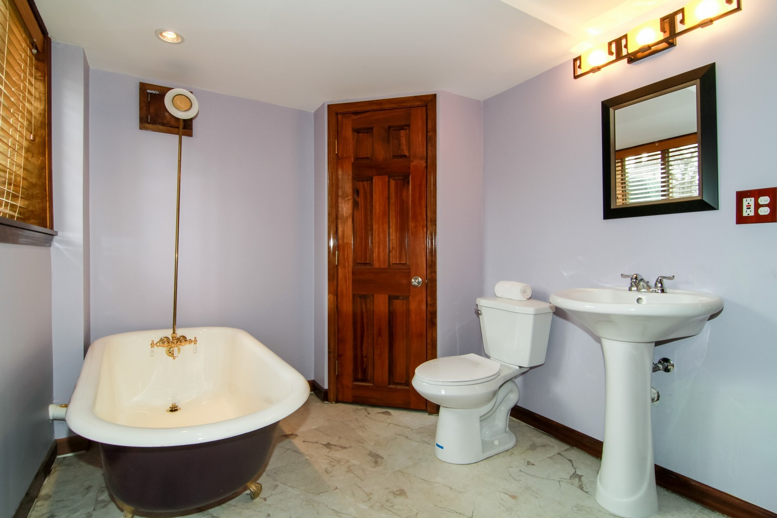 Real Estate Photography - 221 E Burlington Street, Riverside, IL, 60546 - Bathroom