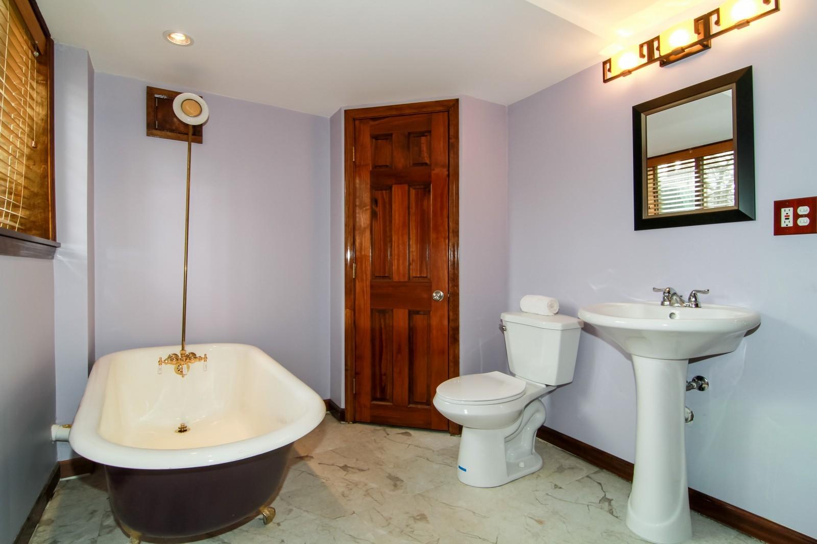 Real Estate Photography - 221 E Burlington Street, Riverside, IL, 60546 - Bathroom