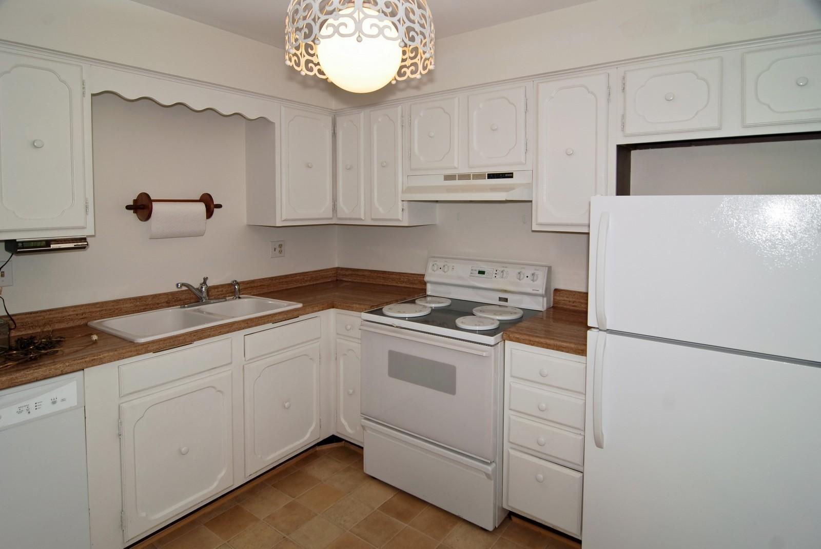 Real Estate Photography - 7904 W North Ave, Unit 303E, Elmwood Park, IL, 60707 - Kitchen