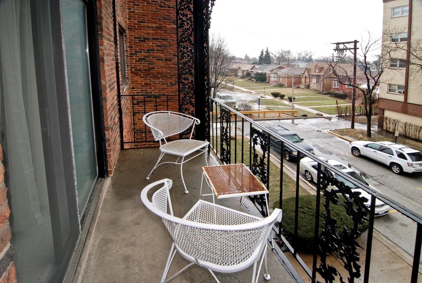Real Estate Photography - 7904 W North Ave, Unit 303E, Elmwood Park, IL, 60707 - Balcony