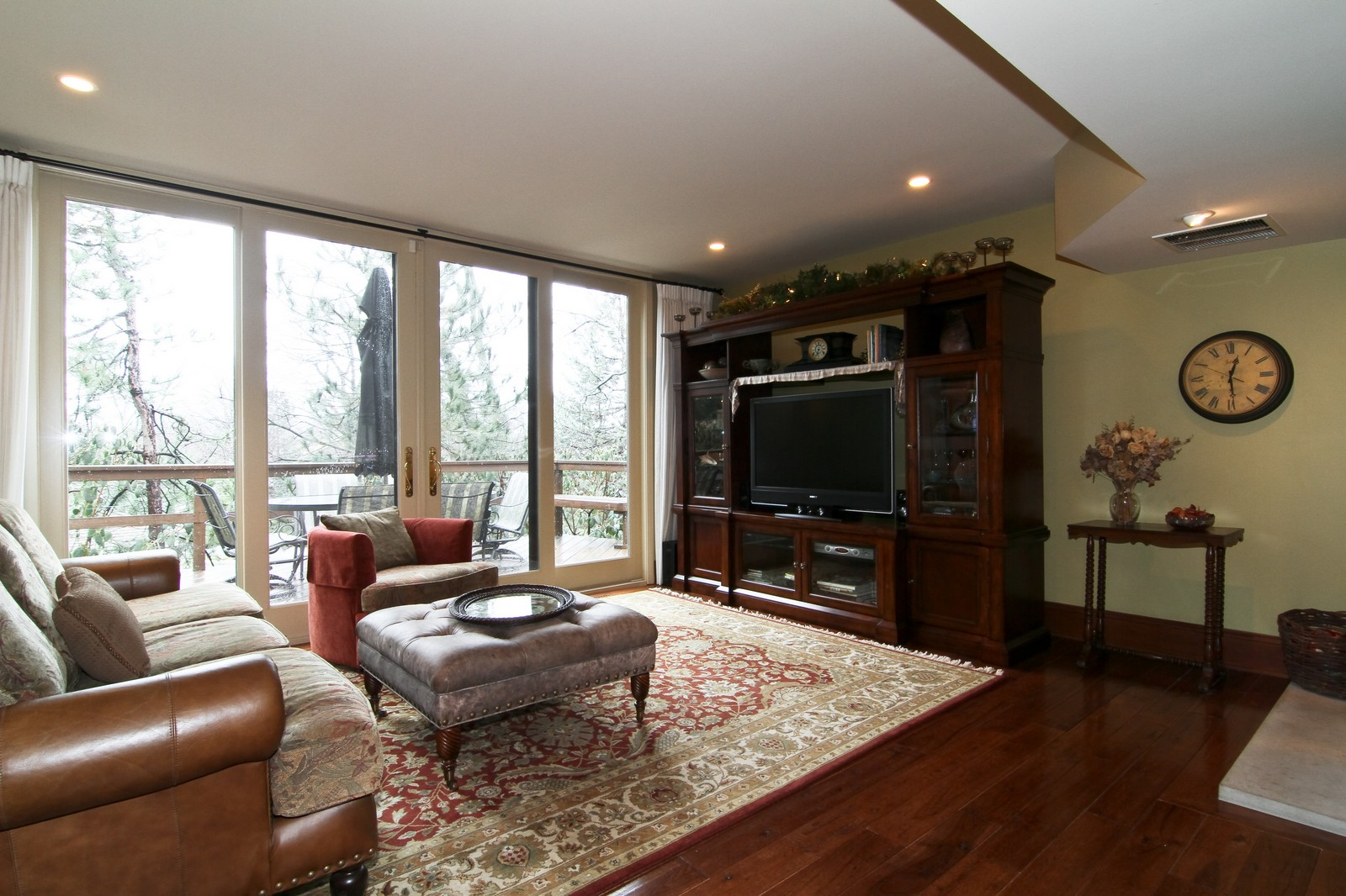 Real Estate Photography - 1160 Mistwood Ln, Downers Grove, IL, 60515 - Family Room