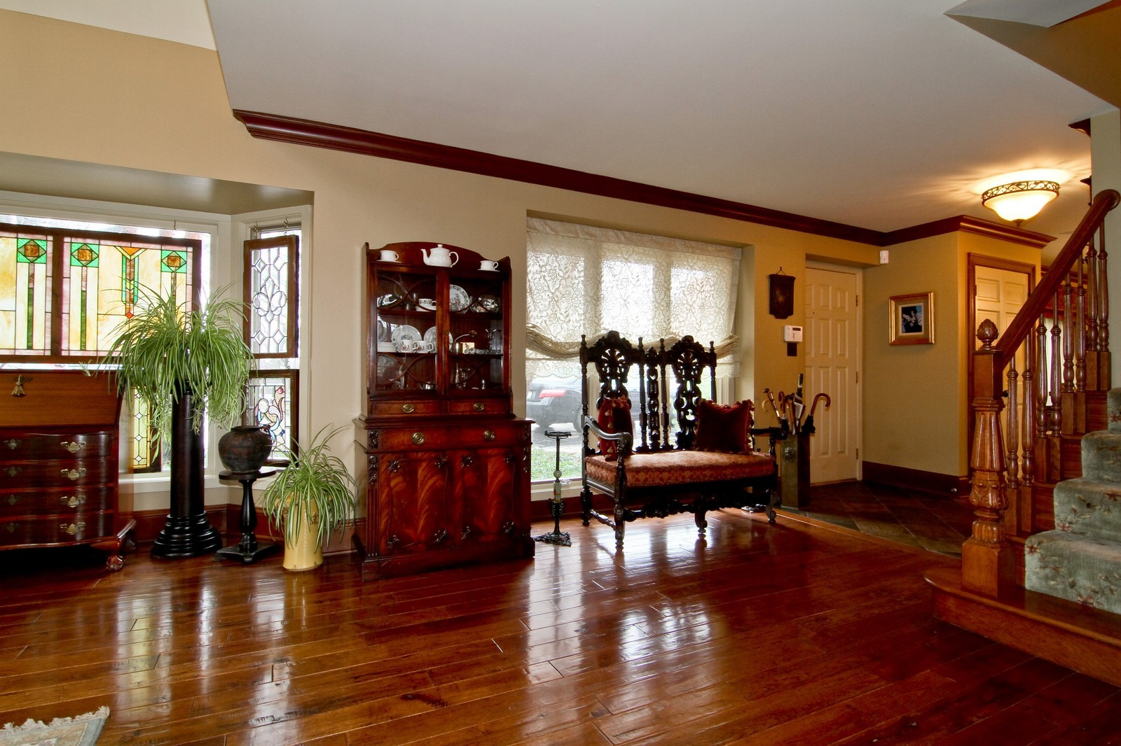 Real Estate Photography - 1160 Mistwood Ln, Downers Grove, IL, 60515 - Entryway