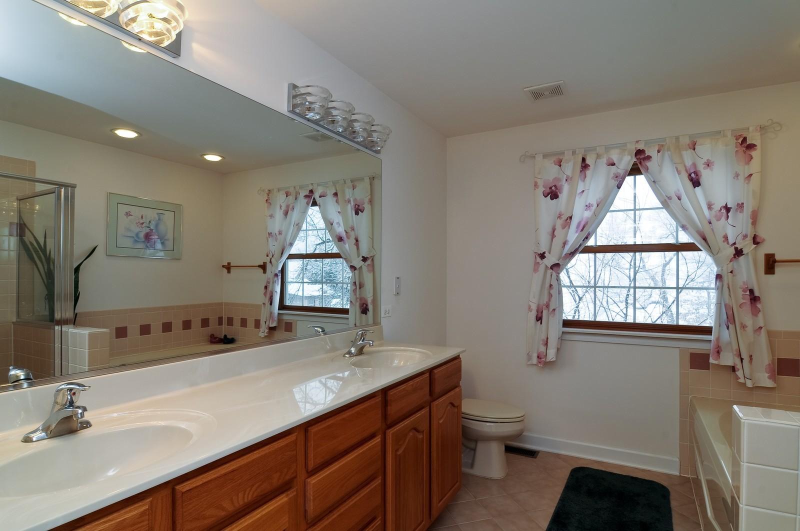 Real Estate Photography - 35100 N Shoreline Dr, Ingleside, IL, 60041 - Master Bathroom
