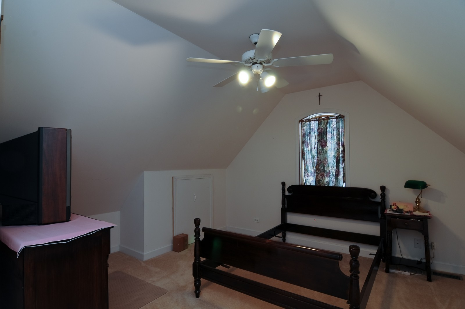 Real Estate Photography - 35100 N Shoreline Dr, Ingleside, IL, 60041 - 2nd Bedroom