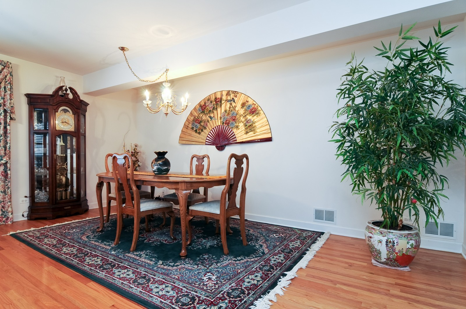 Real Estate Photography - 35100 N Shoreline Dr, Ingleside, IL, 60041 - Dining Room