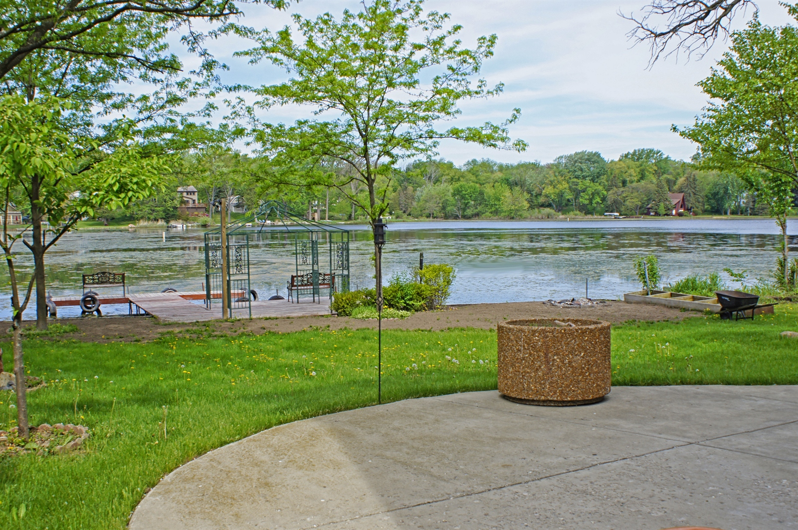 Real Estate Photography - 35100 N Shoreline Dr, Ingleside, IL, 60041 -
