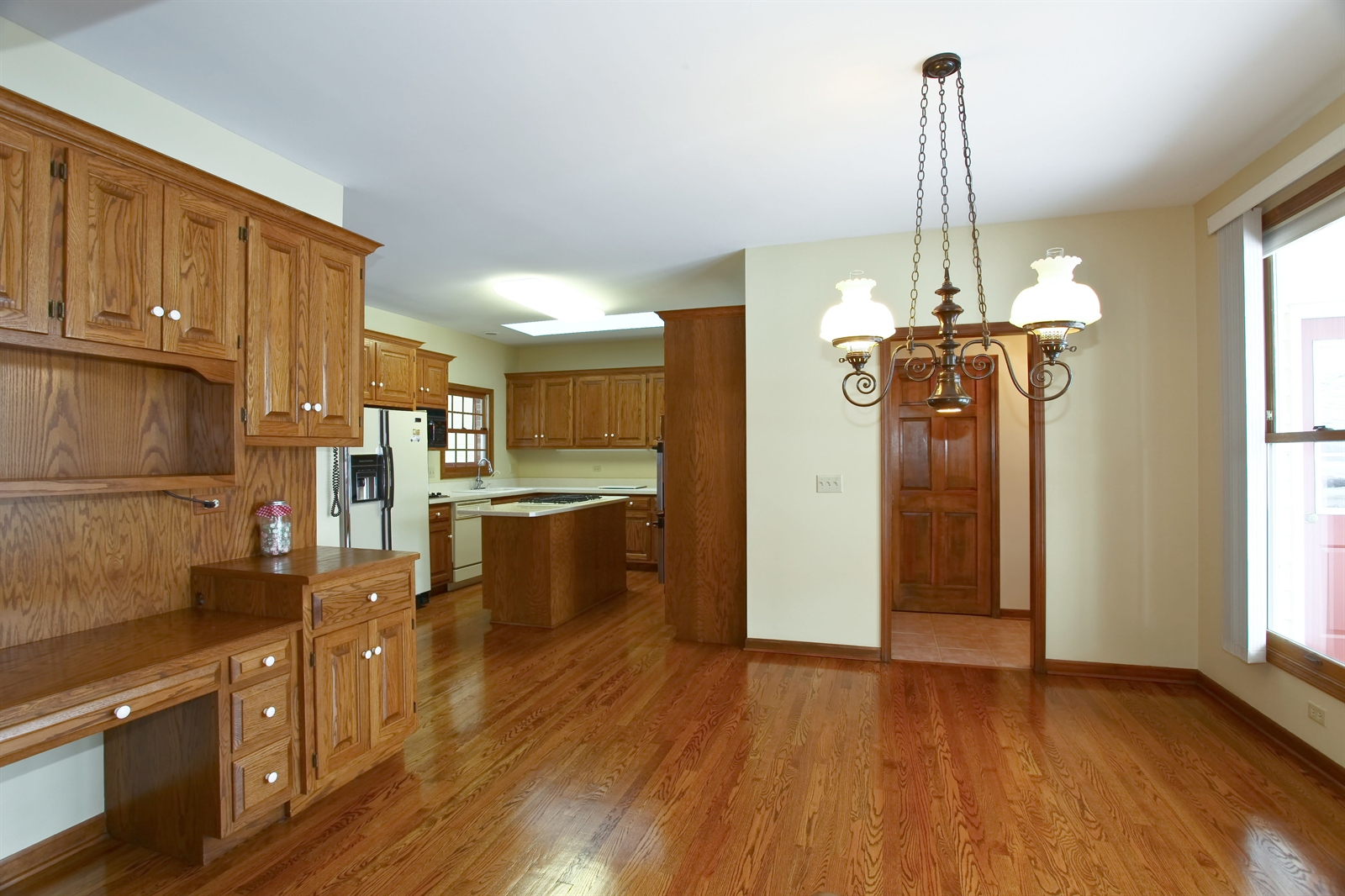 Real Estate Photography - 1S720 Alsace Court, Winfield, IL, 60190 - Kitchen / Breakfast Room