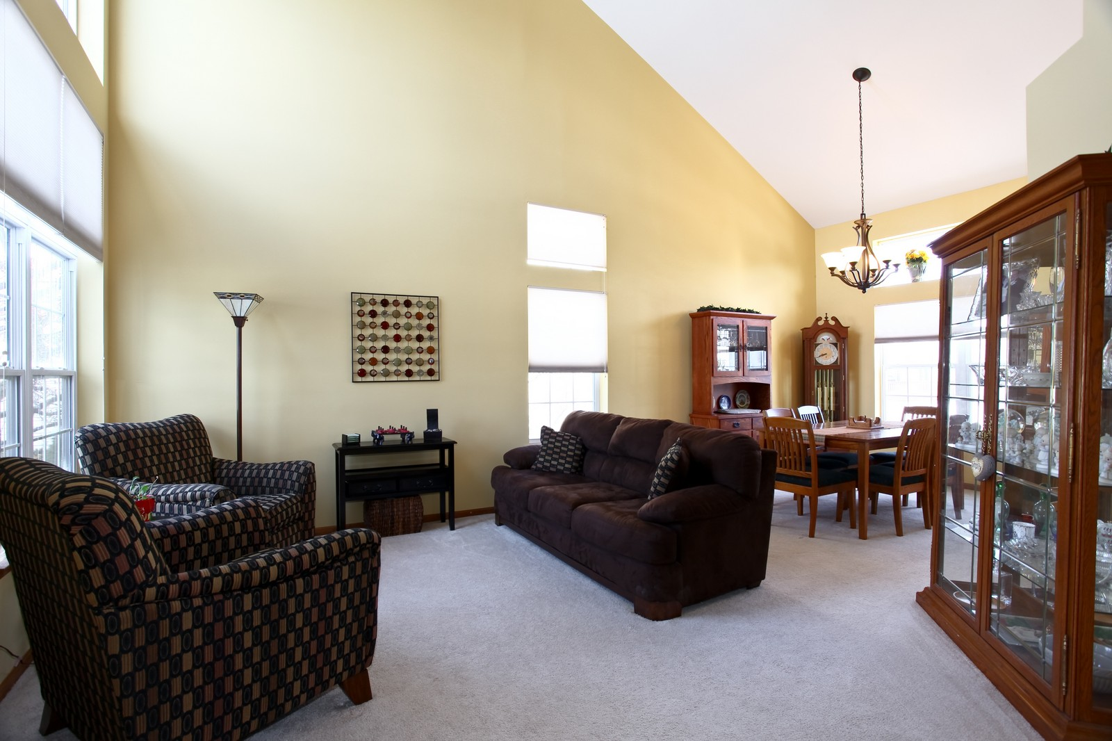 Real Estate Photography - 1383 Newcastle Lane, Bartlett, IL, 60103 - Living Room