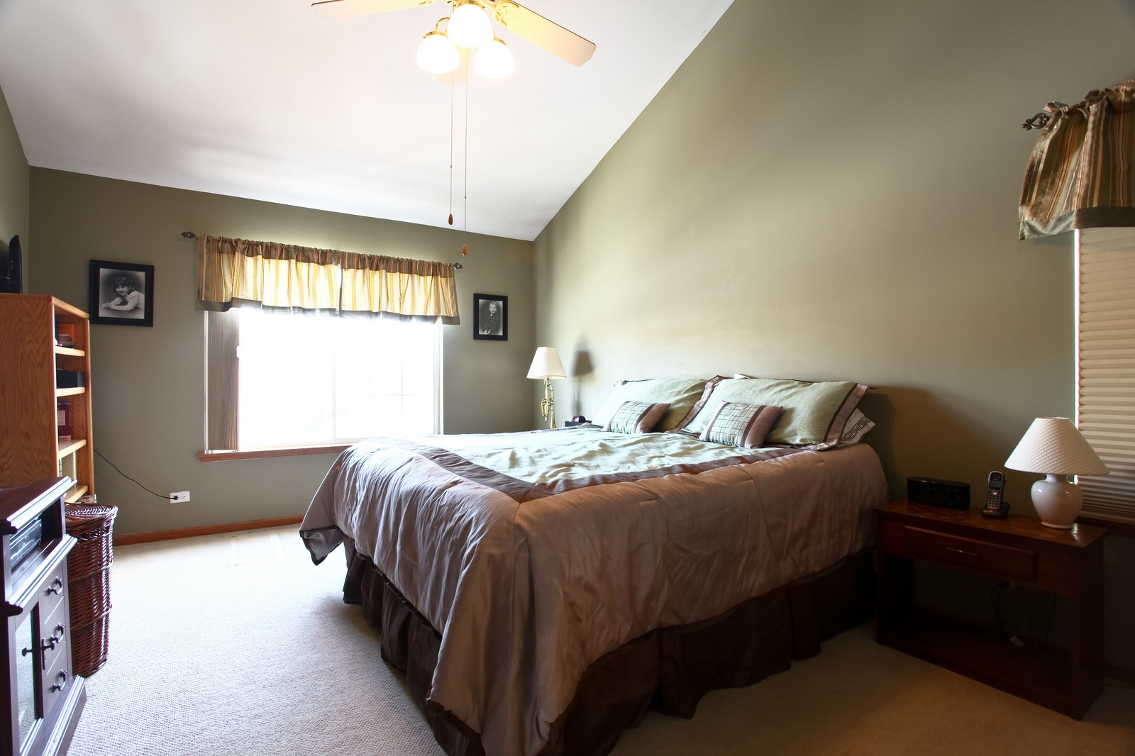 Real Estate Photography - 1383 Newcastle Lane, Bartlett, IL, 60103 - Master Bedroom
