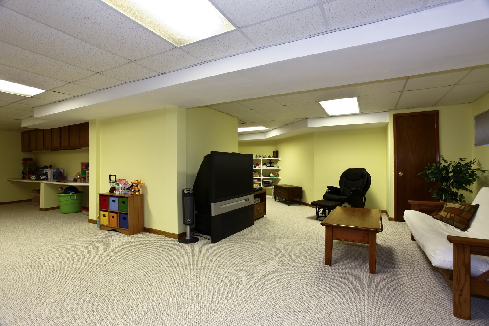 Real Estate Photography - 1383 Newcastle Lane, Bartlett, IL, 60103 - Basement