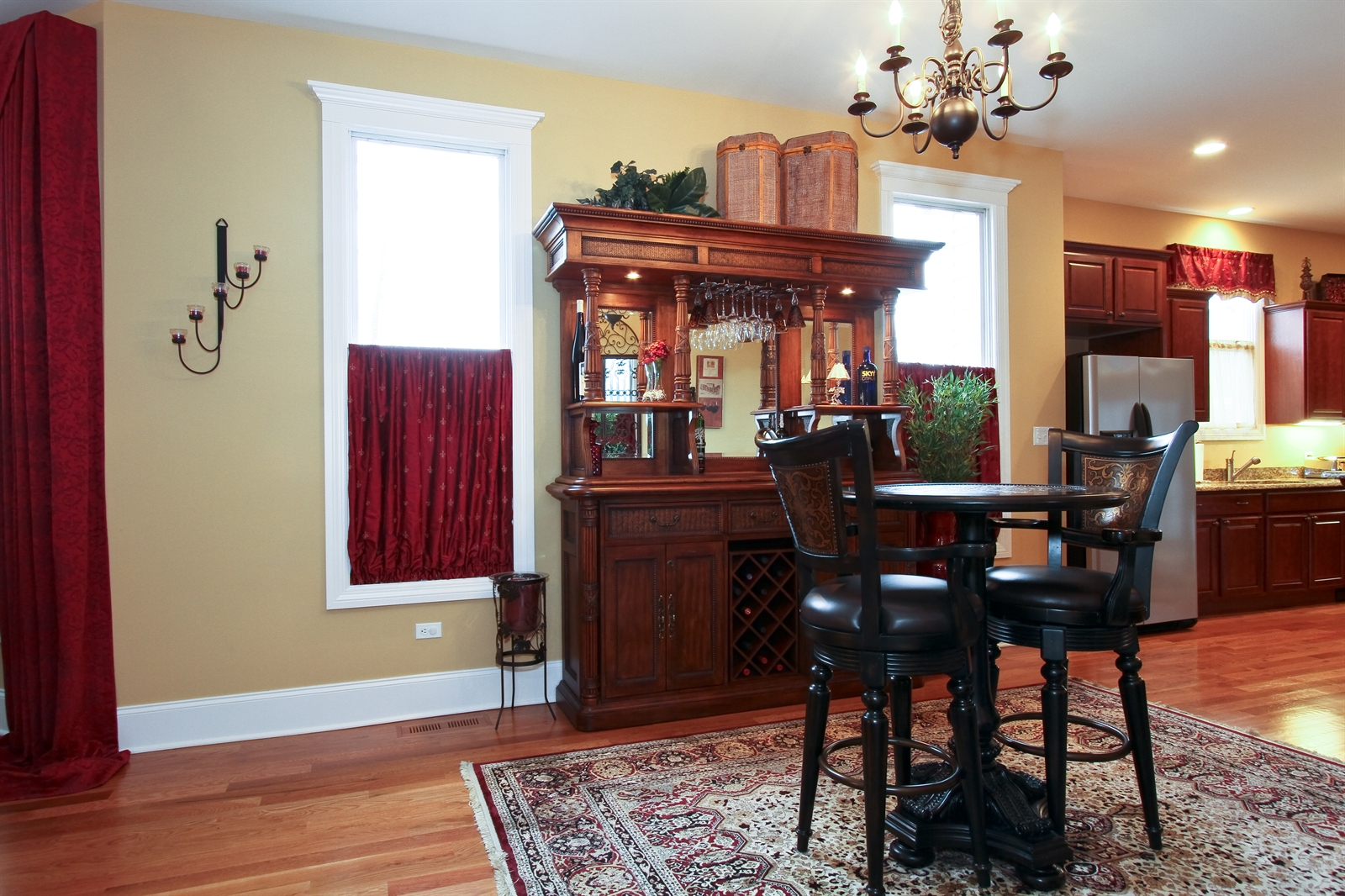 Real Estate Photography - 18213 Martin Ave, Homewood, IL, 60430 - Bistro/Pub