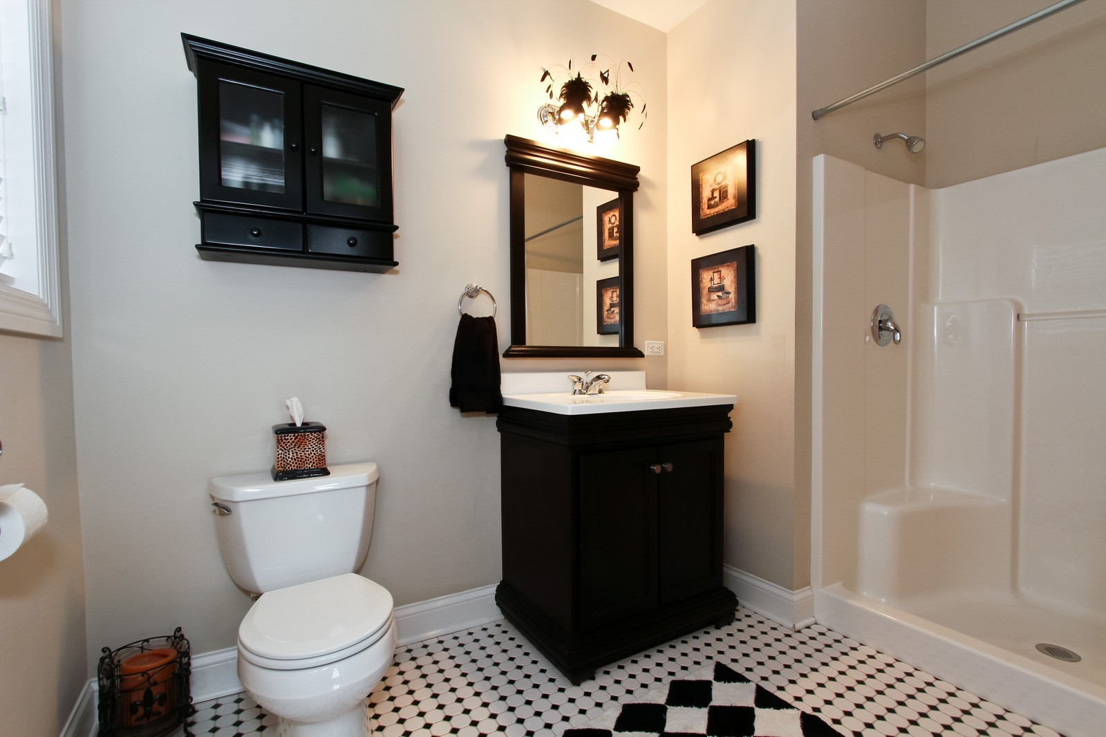 Real Estate Photography - 18213 Martin Ave, Homewood, IL, 60430 - Guest Room Private Bath