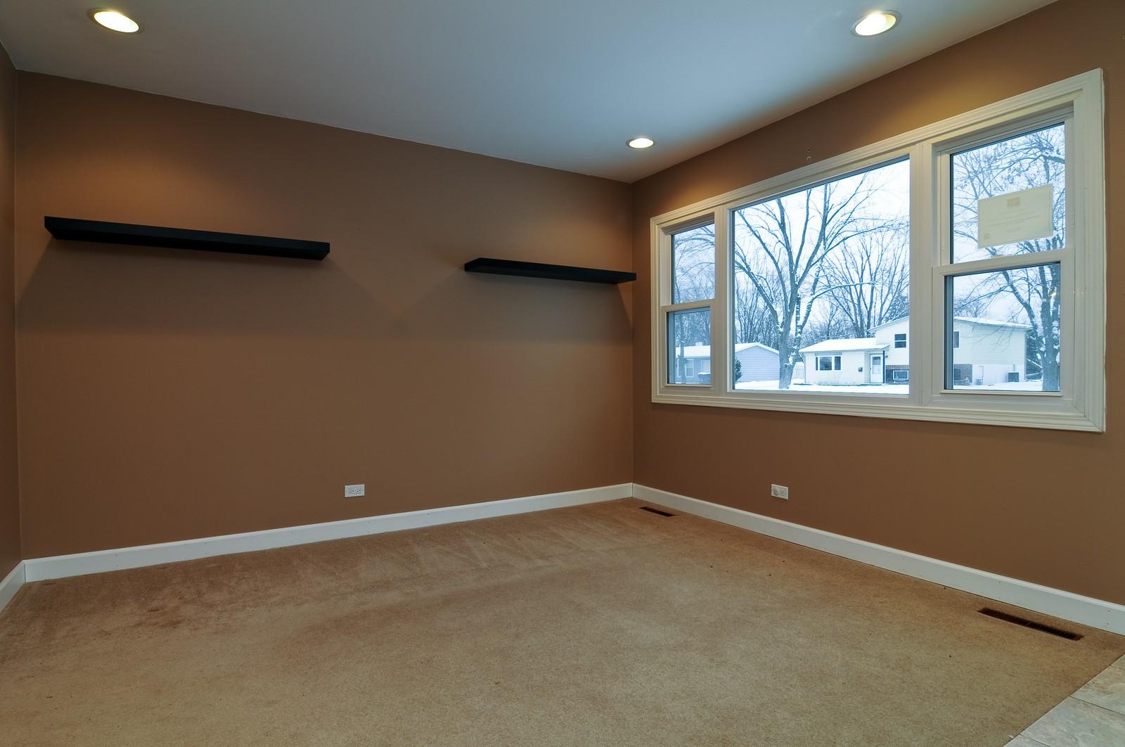 Real Estate Photography - 18648 W Pamela Pl, Gurnee, IL, 60031 - Living Room
