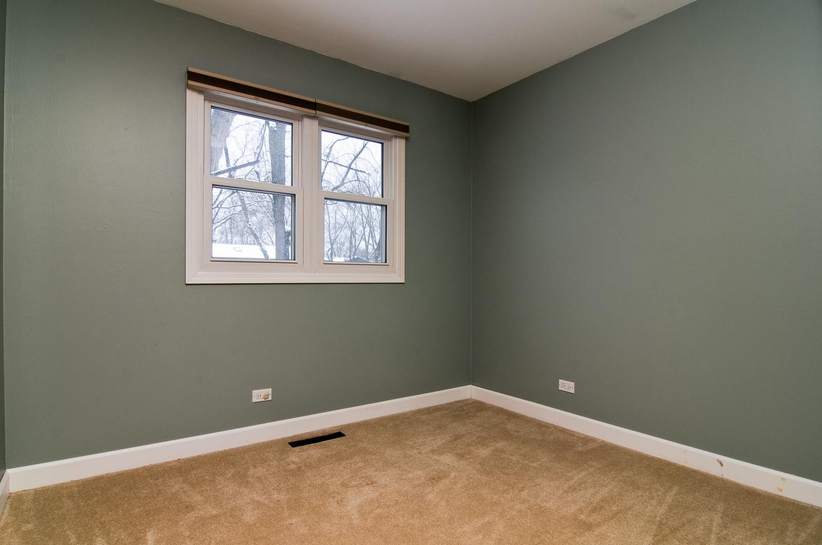 Real Estate Photography - 18648 W Pamela Pl, Gurnee, IL, 60031 - Location 2