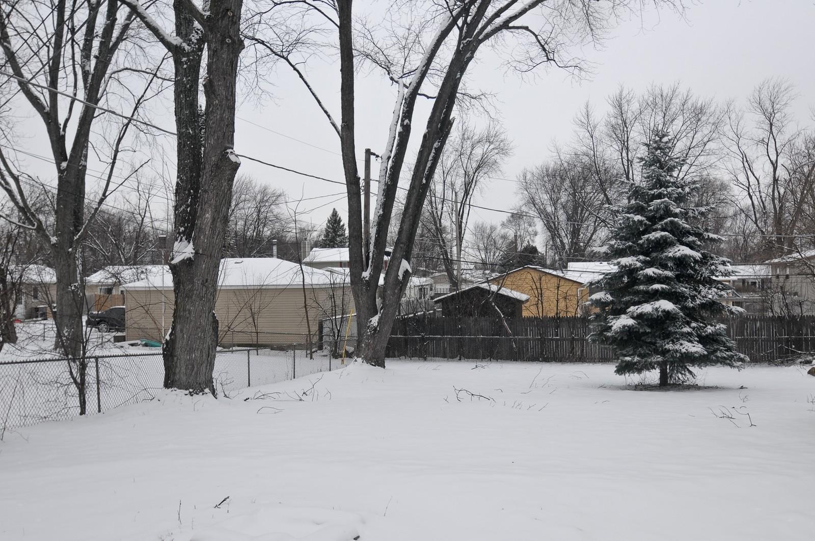 Real Estate Photography - 18648 W Pamela Pl, Gurnee, IL, 60031 - Back Yard