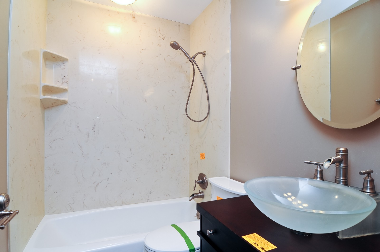 Real Estate Photography - 18648 W Pamela Pl, Gurnee, IL, 60031 - Bathroom