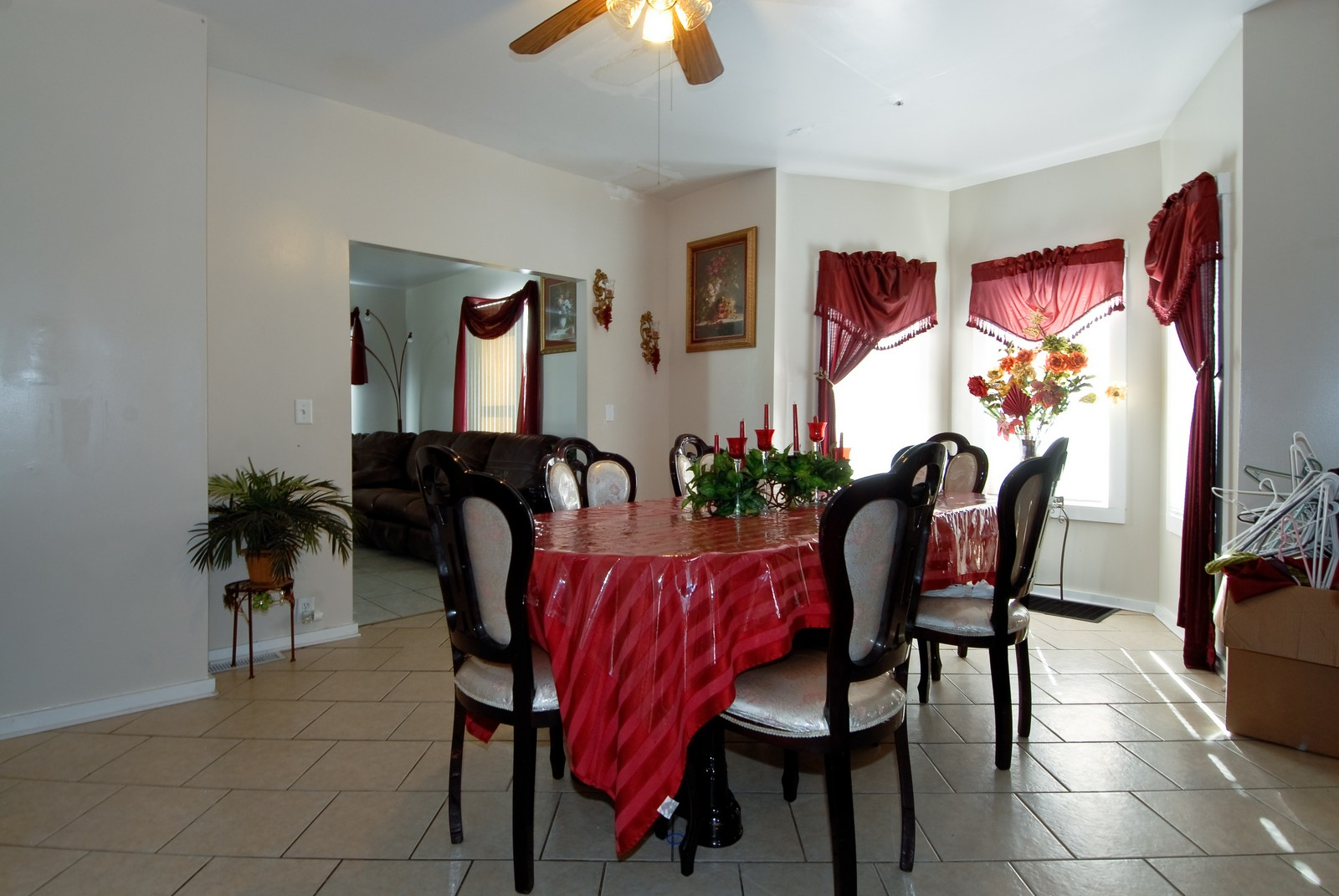 Real Estate Photography - 569 Woodlawn Ave, Aurora, IL, 60505 - Dining Room