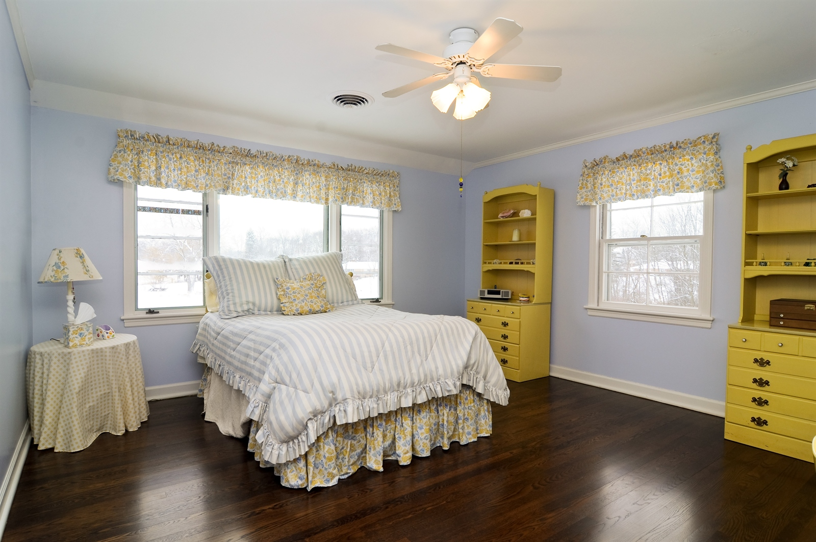 Real Estate Photography - 55 W Lakeview Ln, Barrington Hills, IL, 60010 - 2nd Bedroom