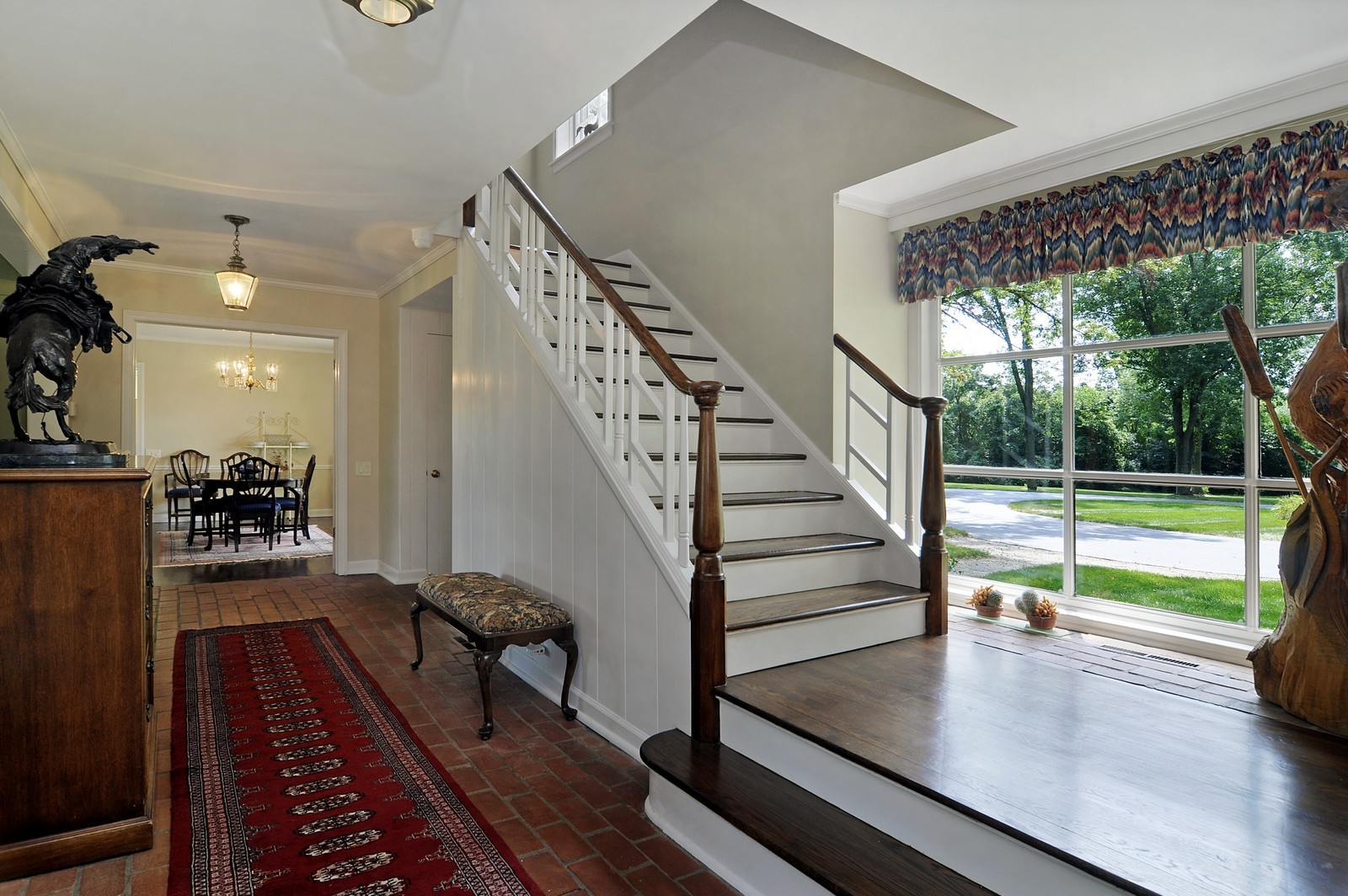 Real Estate Photography - 55 W Lakeview Ln, Barrington Hills, IL, 60010 - Foyer