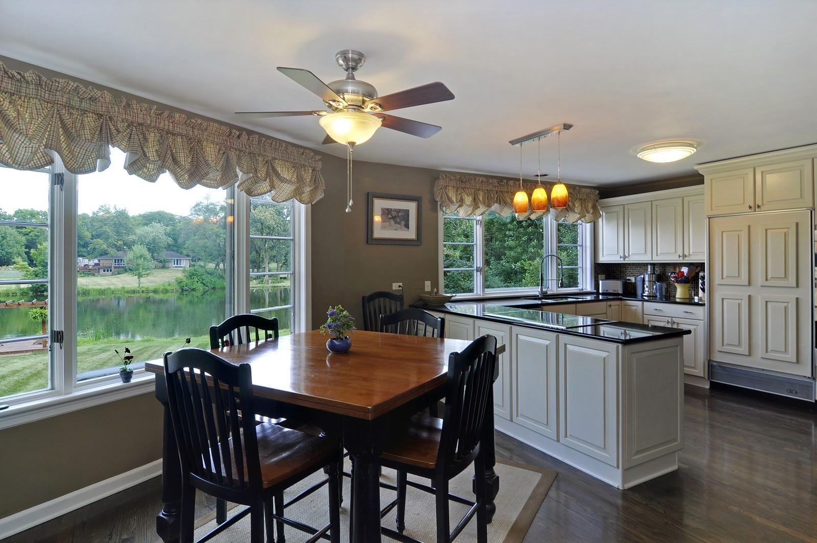 Real Estate Photography - 55 W Lakeview Ln, Barrington Hills, IL, 60010 - Kitchen