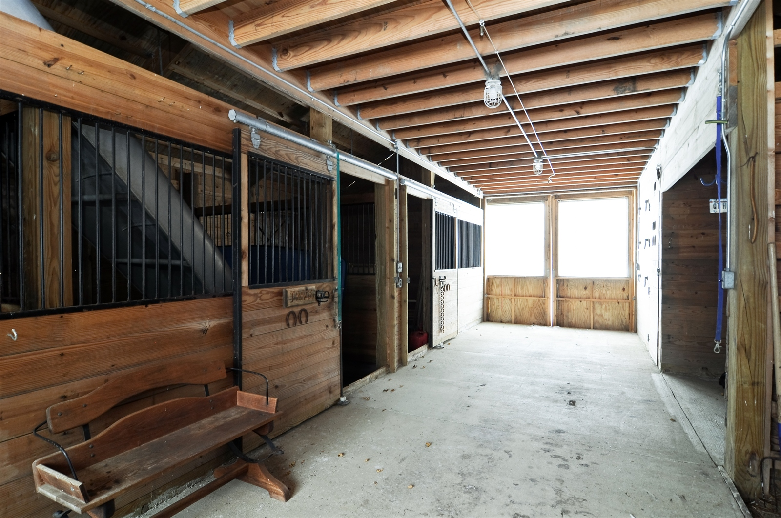 Real Estate Photography - 55 W Lakeview Ln, Barrington Hills, IL, 60010 - Barn
