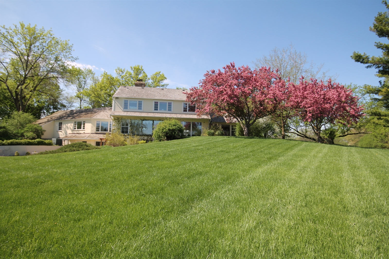 Real Estate Photography - 55 W Lakeview Ln, Barrington Hills, IL, 60010 -