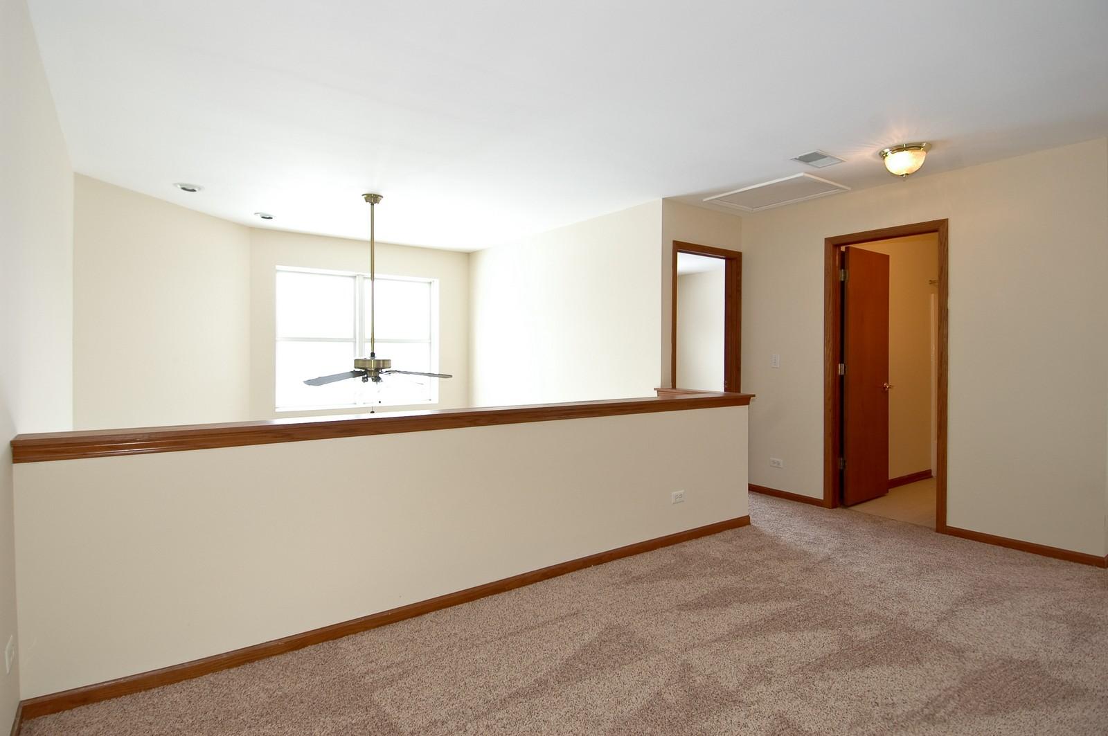Real Estate Photography - 3220 Renard Lane, Saint Charles, IL, 60175 - Loft