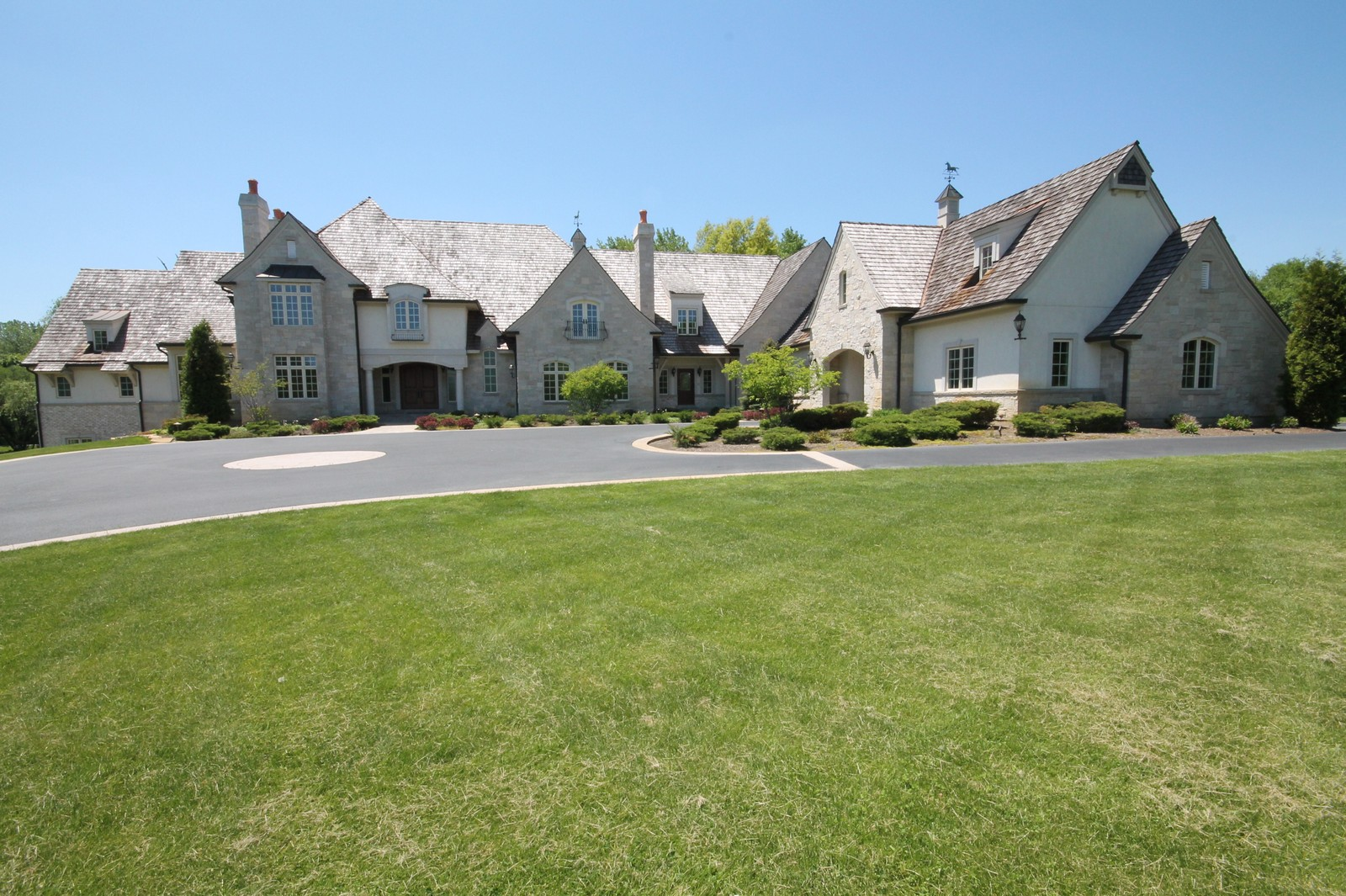 Real Estate Photography - 411 Caesar Dr, Barrington Hills, IL, 60010 - Front View