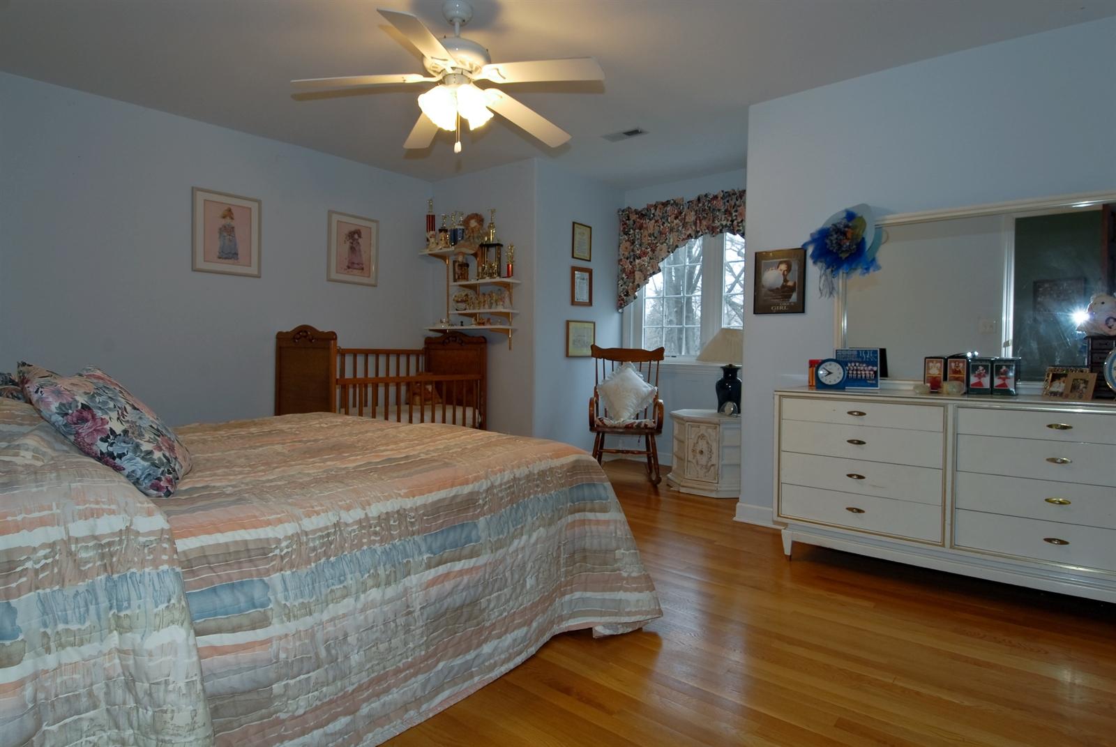 Real Estate Photography - 620 E Gartner Rd, Naperville, IL, 60540 - 2nd Bedroom