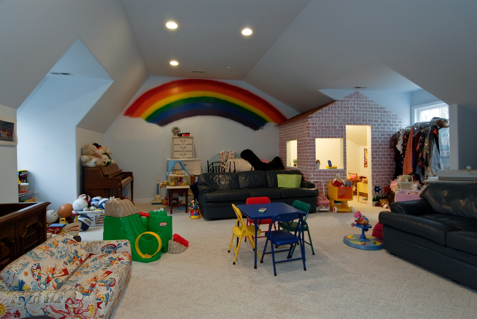 Real Estate Photography - 620 E Gartner Rd, Naperville, IL, 60540 - Bonus / Play Room