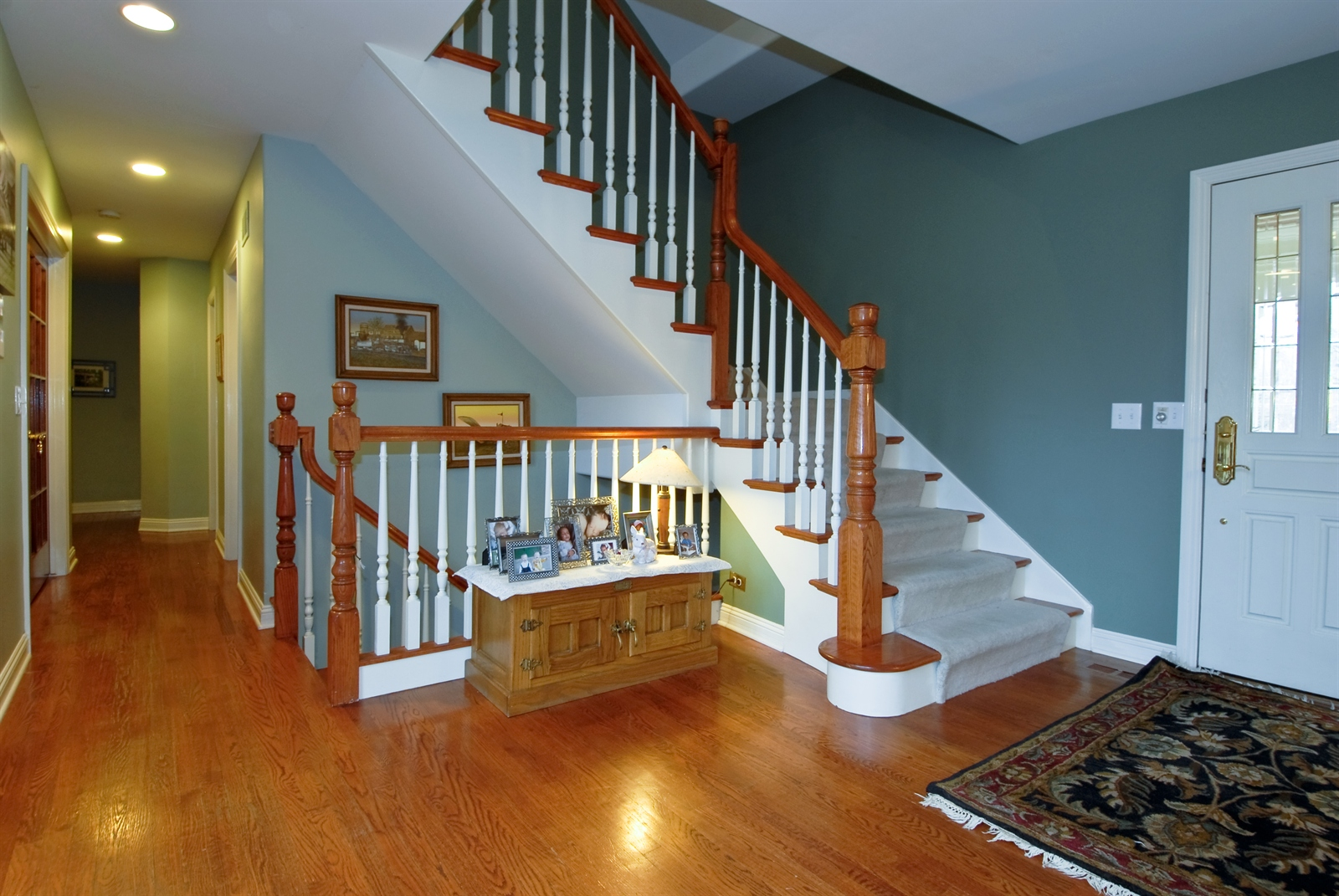 Real Estate Photography - 620 E Gartner Rd, Naperville, IL, 60540 - Foyer
