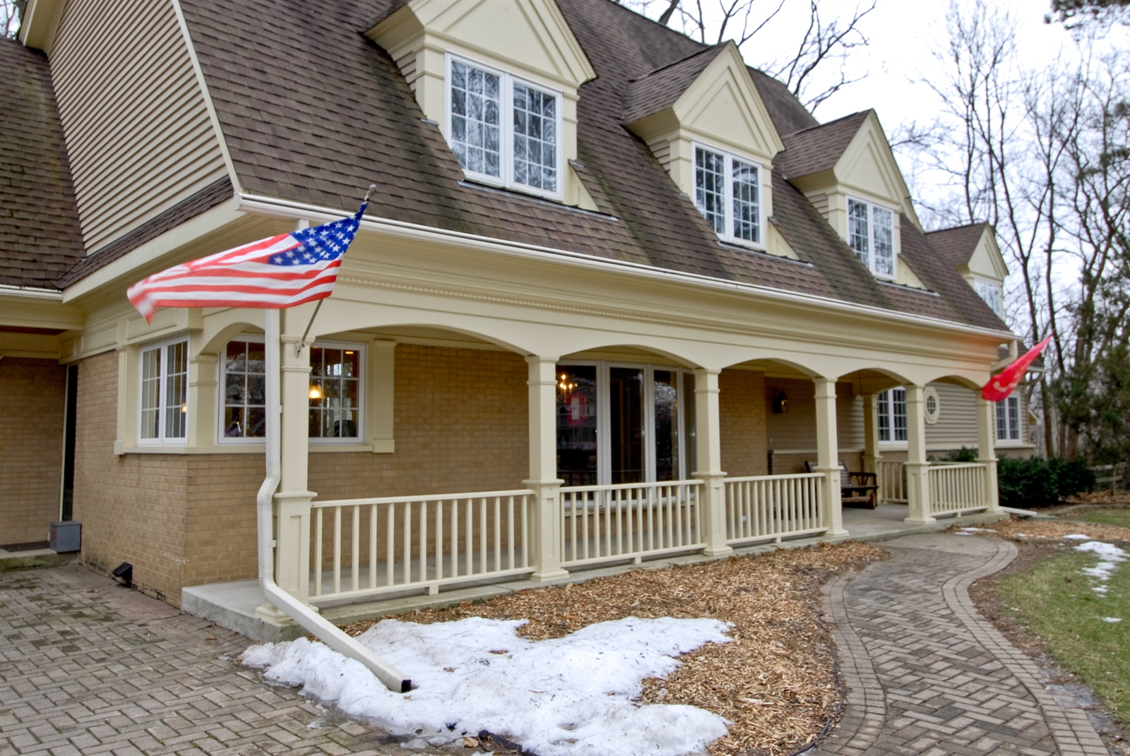 Real Estate Photography - 620 E Gartner Rd, Naperville, IL, 60540 - Porch