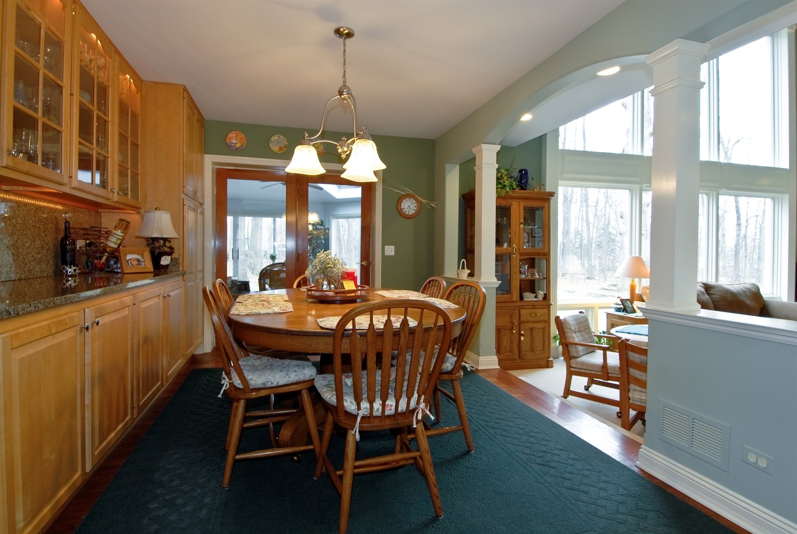 Real Estate Photography - 620 E Gartner Rd, Naperville, IL, 60540 - Breakfast Nook