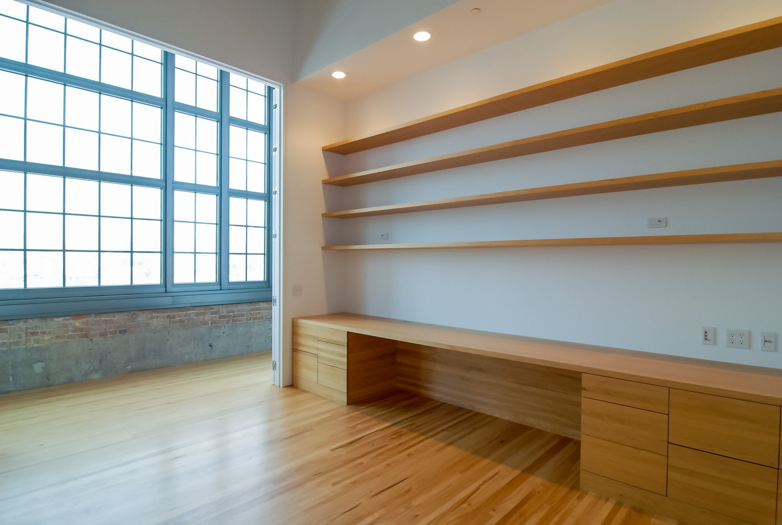 Real Estate Photography - 900 N Kingsbury St, Unit 950, Chicago, IL, 60654 - Office