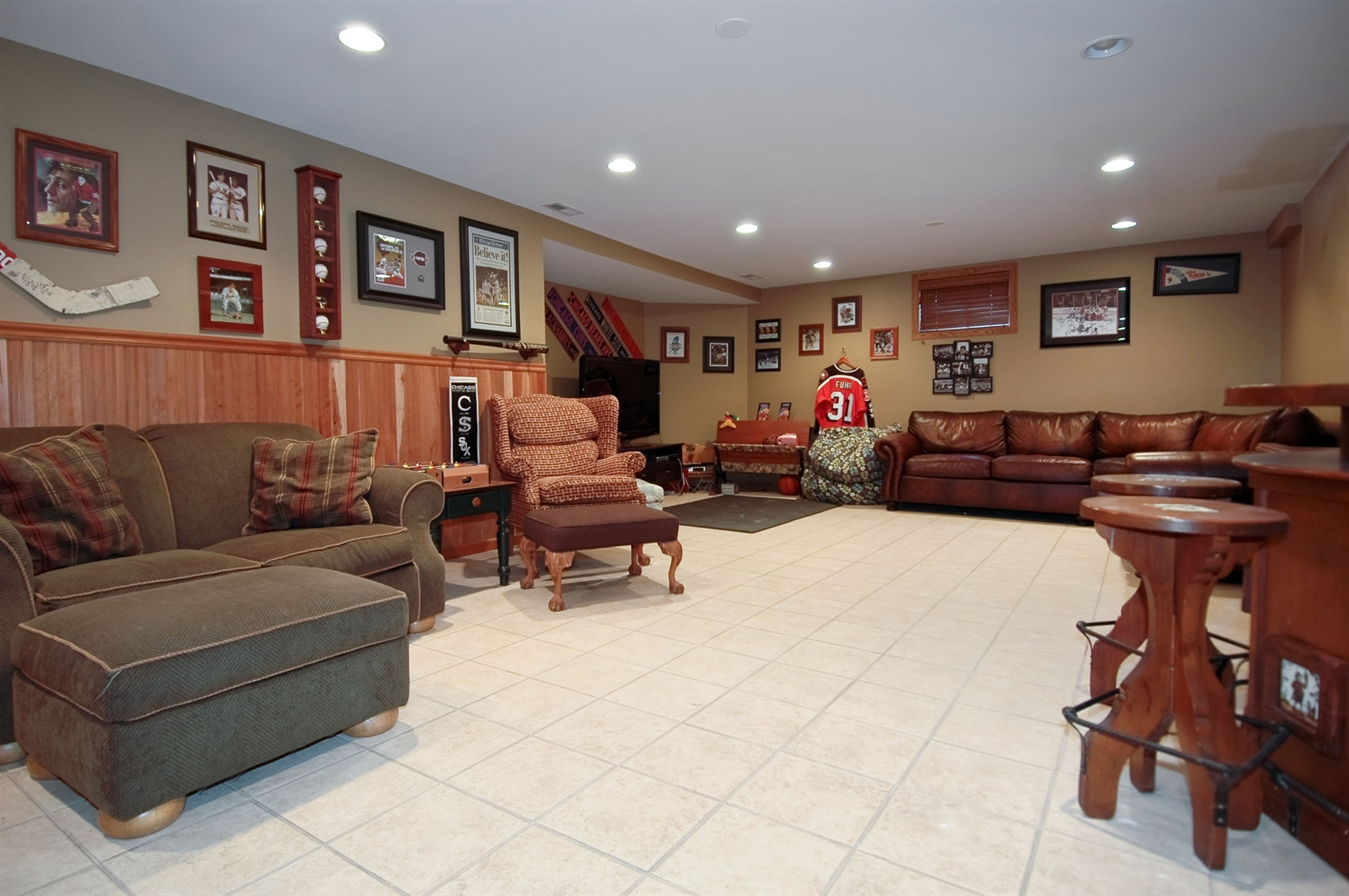 Real Estate Photography - 405 Concord Ave, Fox River Grove, IL, 60021 - Lower Level