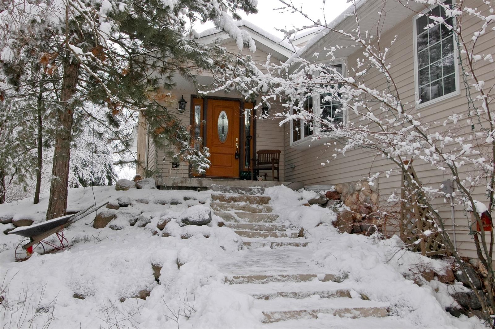 Real Estate Photography - 405 Concord Ave, Fox River Grove, IL, 60021 - Entrance